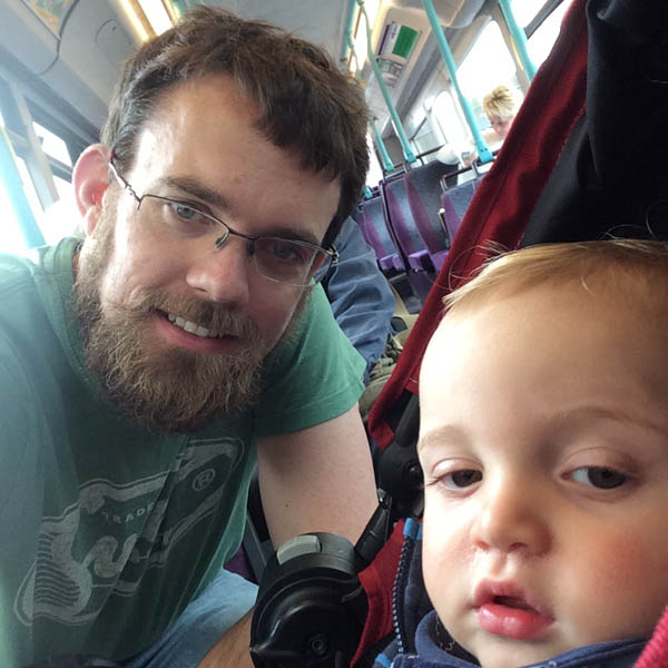 Paul and Seth on the bus as part of Daddy Day Care.