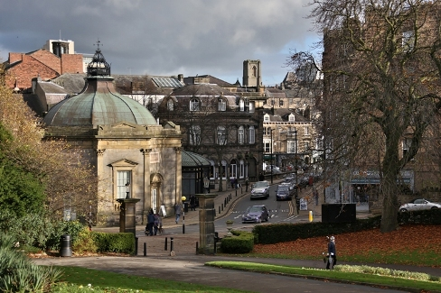 Looking for free things to do in Harrogate with the family? The Valley Gardens is the best place to start - right in the heart of Harrogate!