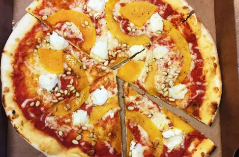 Photo of goat's cheese, butternut squash and pine nut pizza from Mjor toms in harrogate for Scandinavian cafe baltzersens blog on the best pizza in harrogate