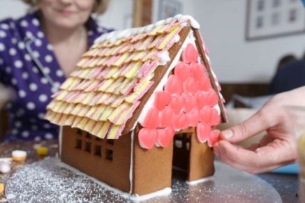 Gingerbread House Decorating Workshop
